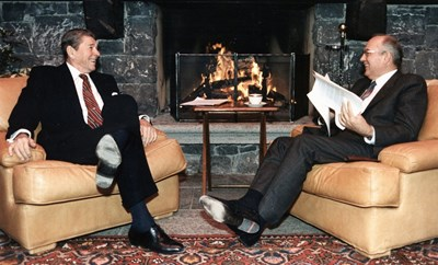 November 1985: the two most powerful men in the world give the necessary political impetus to creating ''the widest practicable'' international cooperation in the domain of fusion. (Click to view larger version...)